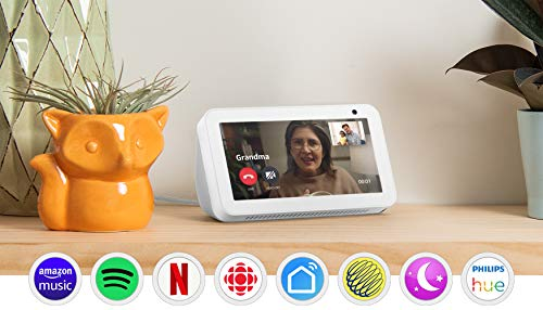 Echo Show 5 – Compact smart display with Alexa – Stay connected with video calling - Sandstone (Electronics)
