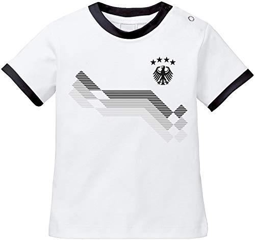 EZYshirt® WM & EM Deutschland Baby T-Shirt mit Wunschname & Wunschnummer | Bio Baumwolle