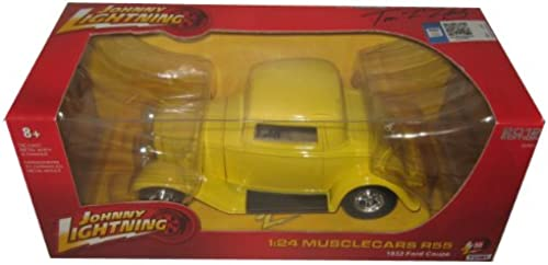 1932 Ford Coupe Gelb 1 24 by Johnny Lightning 51105ZZD