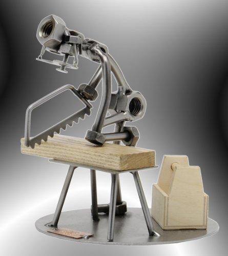 Boystoys HK Design - Schraubenmännchen Tischler Handsäge - Metall Art Geschenkideen Deko Skulptur Arbeit & Beruf - hochwertige Original Figuren handgefertigt