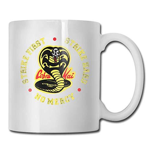 XCNGG C-o-br-a K-ai Strike First Strike Hard No Mercy Tazas Taza de té Taza de café de cerámica Regalo divertido Regalos de cumpleaños para mujeres, amantes del cine, amigos, blanco, 11 oz