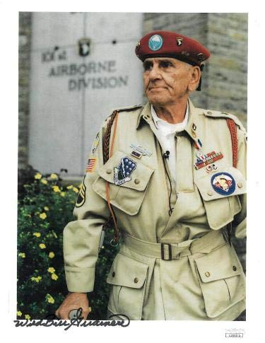 Wild Bill Guarnere signed WWII Band of Brothers 101st Airborne Easy Company 506th 8.5x11 Photo- Hologram (Red Baret) - JSA Certified