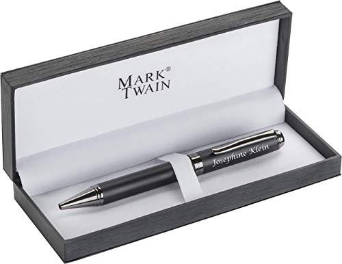 MARK®TWAIN Kugelschreiber aus Metall mit Gravur - dunkel verchromte Applikationen, Rubberfinish schlichte Eleganz Blaue Mine - in passendem Geschenketui zum Geburtstag 1057603