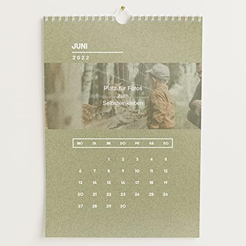 sendmoments Kalender zum Selbstgestalten 2022 mit Relieflack, Lebhafte Monate, Bastelkalender zum Einkleben von gedruckten Fotos, Spiralbindung, DIN A4 Hochformat
