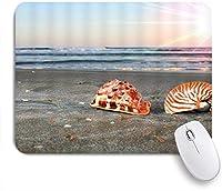 VAMIX マウスパッド 個性的 おしゃれ 柔軟 かわいい ゴム製裏面 ゲーミングマウスパッド PC ノートパソコン オフィス用 デスクマット 滑り止め 耐久性が良い おもしろいパターン (灰色の砂のビーチコンク貝殻破片横になっている海岸砂海辺日の出シーン)