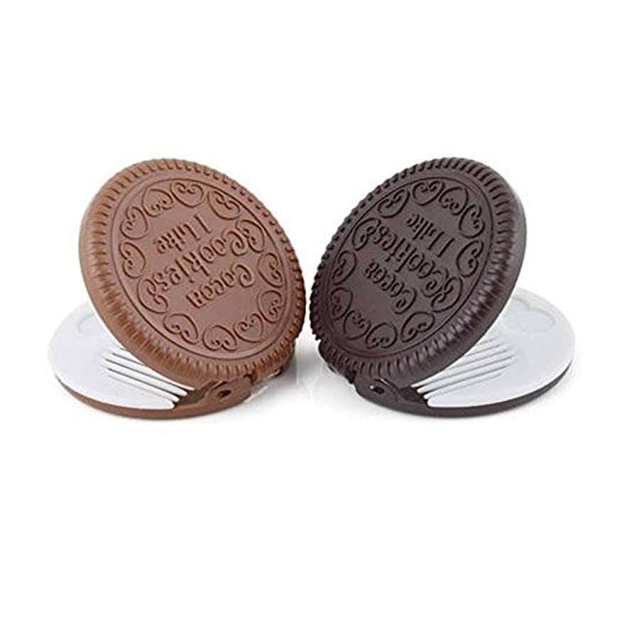 ウルルケイ素トマトyueton Pack of 2 Mini Pocket Chocolate Cookie Compact Mirror with Comb [並行輸入品]
