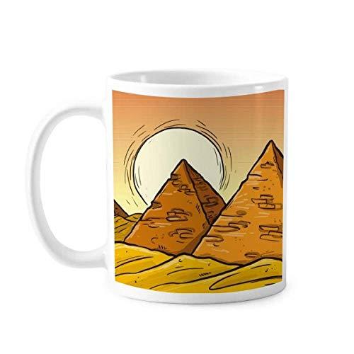 Taza de cerámica con diseño de pirámide del antiguo Egipt