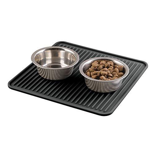 mDesign spülmaschinenfeste Futternapf Unterlage aus Silikon – mittelgroße Hundenapf Matte – 30,5 cm x 30,5 cm – praktisches Tierzubehör für die hygienische Fütterung – schwarz