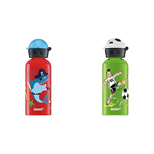 Sigg Kinder Trinkflasche SIGG Underwater Pirates, Kinder Trinkflasche, 0.4 L, Auslaufsicher, BPA Frei, Aluminium, Rot, Mehrfarbig & Kinder Trinkflasche Sigg Kids Footballcamp 0.4 L, Bunt