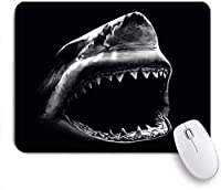 NIESIKKLAマウスパッド 黒のテーマ黒の背景に本物のサメの写真 ゲーミング オフィス最適 高級感 おしゃれ 防水 耐久性が良い 滑り止めゴム底 ゲーミングなど適用 用ノートブックコンピュータマウスマット