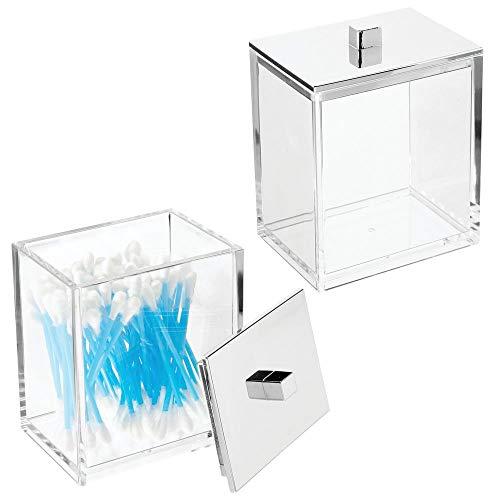 mDesign Juego de 2 envases para cosméticos – Bote con tapa cuadrado para productos de aseo – Dispensador de discos de algodón y caja para bastoncillos de plástico – transparente y plateado