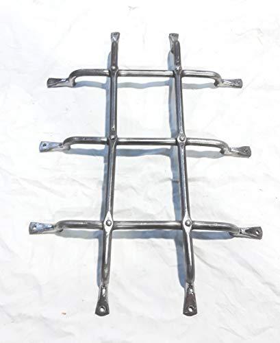Reja rústica forja antigua para mirillas o ventanas de madera SIN PINTAR