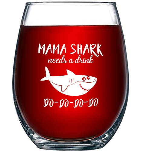 Mama Shark Needs a Drink Do Do Do Do Do, Novelty Wine Glass Cup with Sayings for Women | Funny Shark Gifts Party Accessories for Moms Mothers and Friends | 15 oz Stemless Wine Glasses