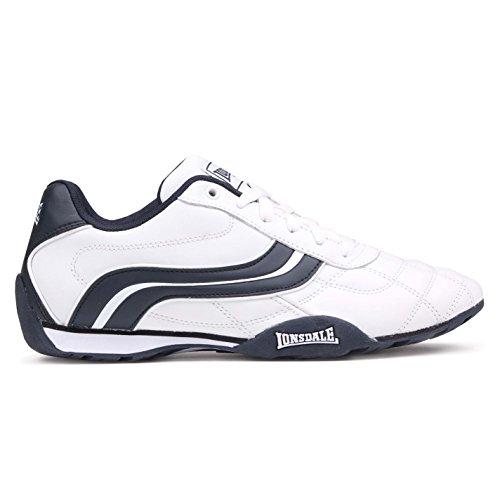 Scarpe da ginnastica da uomo. Stile con elementi in rilievo. Linguetta e supporto per la caviglia imbottiti. Cuciture sull'avampiede.