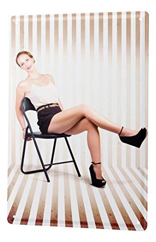 Blechschild Dekoschild Nostalgie Jorgensen Fotografie Foto Bilder Model Klappstuhl streifen Boden Tapete Minirock 20x30 cm