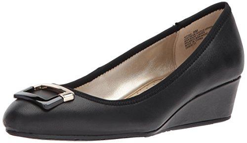 Bandolino Footwear Women's Tad Pump, Black, 6