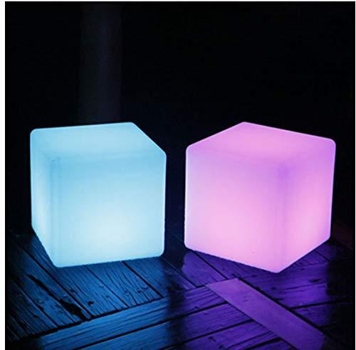 LED Rubik's Cube Silla Luz de noche Fiesta al aire libre Boda Decoración de jardín Iluminación Muebles Bar Rubik's Cube Taburete Plástico Multicolor Control remoto Lámpara de mesa 20CM