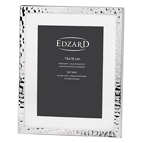 EDZARD Fotorahmen Fano für Foto 13 x 18 cm, Passepartout, edel versilbert, anlaufgeschützt, 2 Aufhänger
