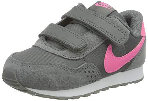 Nike MD Valiant (TDV), Zapatillas Deportivas Unisex niños, Smoke Grey Pink Glow White, 17 EU