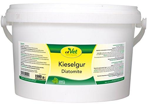 cdVet Naturprodukte Kieselgur 1,5 kg - Hund, Katze, Vogel, Kleintiere - Trockenhilfsstoff - Feuchtigkeitsbindend - bindet Floh + Milbenkot - Stallhygiene - Stallklima - 100% Natur - Kieselalgen -