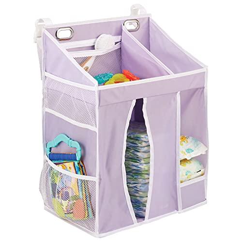 mDesign hängande skötväska för bebisar – sängficka i syntetiskt fiber för spjälsängar och skötbord – barnrumsförvaring med flera fickor och fack – ljuslila/vit
