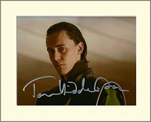 TOM HIDDLESTON LOKI AVENGERS THOR SIGNED AUTOGRAPH PHOTO PRINT IN MOUNT by TOM HIDDLESTON SIGNED AUTOGRAPH PHOTO