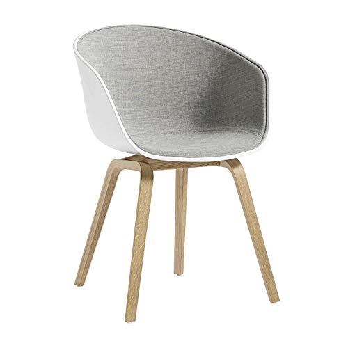 HAY About a Chair 22 mit Spiegelpolster Gestell Eiche, hellgrau Schale weiß Stoff Remix 123 59x52x79cm Gestell geseifte Eiche Standardgleiter Kunststoff