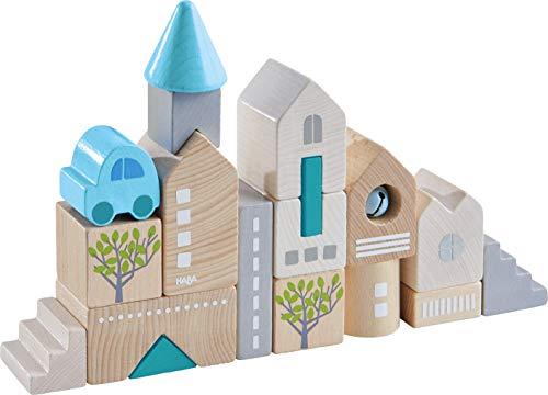 HABA 305531 - Bausteine Bad Rodach, 18-teiliges Baustein-Set zum Bauen von Stadtkulissen, Holzbausteine in unterschiedlichen Formen und Farben, Spielzeug ab 18 Monaten