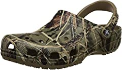 CLASSIC CAMO CROCS: The Classic Realtree Crocs for men and women create a rugged style with the authentic camouflage print Design created by Jordan Outdoor Enterprises, Ltd - 2006 BREATHABLE FIT: The women's and men's shoe features a wide and roomy f...