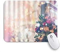 KAPANOU マウスパッド、ぼやけたクリスマスツリーの色ライトつまらない星のきらめきスノーフレーク おしゃれ 耐久性が良い 滑り止めゴム底 ゲーミングなど適用 マウス 用ノートブックコンピュータマウスマット