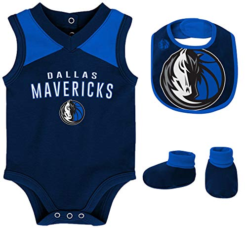 Outerstuff NBA Newborn Infants Overtime 3 Piece Creeper, Bib and Booty Bodysuit Set - Dallas Mavericks 18 Months