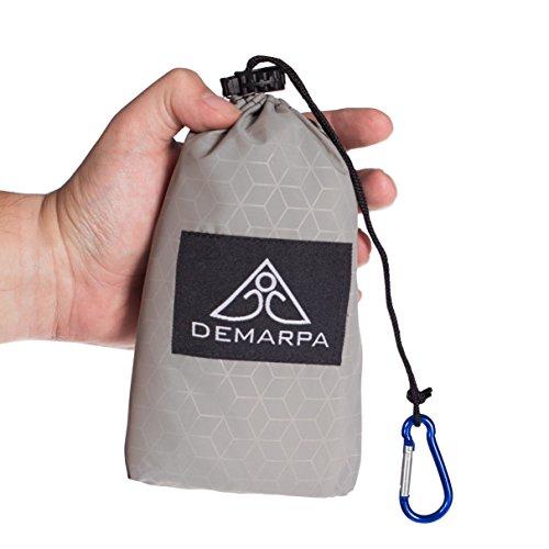 DEMARPA Nylon Picknickdecke - ultraleichte Premium Outdoor Decke für Reisen, Wanderungen, Picknick, Parkbesuche oder Camping. Kompakt, innovativ, wasserabweisend (Grau)