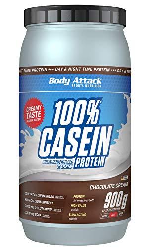 Body Attack 100{ee8df0d62420008caa1cf295c944c49faa72e6cdb0b0e66024e7b18a26aa308d} Casein Protein, reich an essentiellen Aminosäuren - Muskelaufbau und Erhalt, Low Carb - für Sportler, Athleten & Figurbewusste - Chocolate Cream, 900g Eiweißpulver