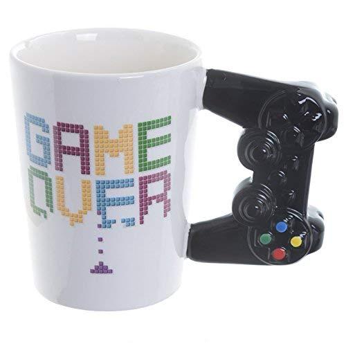 Puckator Controller Tasse Game Over mit 3D Controller am Henkel weiß, Bedruckt, 100{70e94f758a8263b0b7b112d1edc1c7baaed49dc293b902ad868e9854e35a9a5b} Keramik, in Geschenkverpackung.