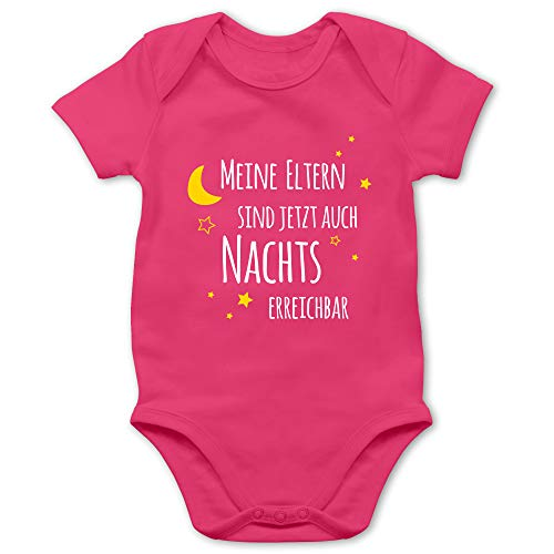 Shirtracer Sprüche Baby - Meine Eltern sind jetzt auch Nachts erreichbar - 1/3 Monate - Fuchsia - Meine Eltern sind jetzt auch nachts erreichbar - BZ10 - Baby Body Kurzarm für Jungen und Mädchen
