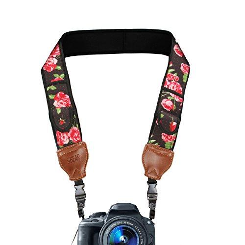 USA Gear Correa para Cámara de Fotos de Neopreno. para Camaras Reflex, Evil y Compactas. Compatible con Canon, Nikon, Sony, Olympus, Pentax, Fujifilm, Samsung y Muchas más, Diseño con Flores.
