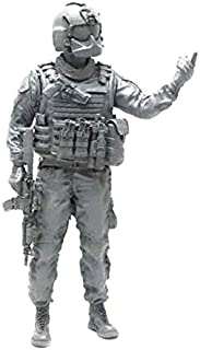 1:35 Scale Military Models Modern U.S. Army Air Force Pilot Officer with Rifle Resin Soldier Figure Plastic Unassembled Model Miniature Kit