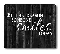 インスピレーションを与える素朴なブラックウッドマウスパッド、今日誰かが笑顔になる理由、肯定的な動機付けの引用白と黒のマウスパッド