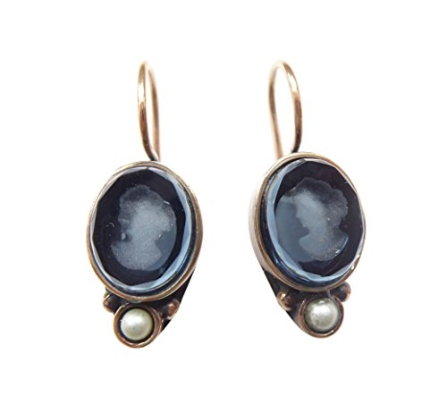 Zierliche Gemmen-Ohrringe Ohrhänger dunkel-blaue Glas-Gemme Süßwasser-Perle Haken verschließbar Bronze Handarbeit Designer EXTASIA