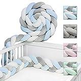 JAKOR® Bettschlange geflochten 3M - geprüfte Laborqualität - Bettumrandung geflochten inkl. Wäschenetz - Babybettumrandung - Bettumrandung Babybett – Bettschlange 300 cm (Blau/Weiß/Grau)