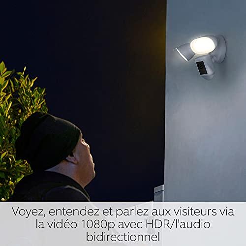Découvrez Ring Floodlight Cam Wired Pro par Amazon, Vidéo HD