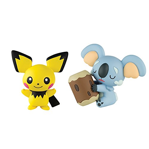 Pokemon T19177 Komala vs Pichu Figure image