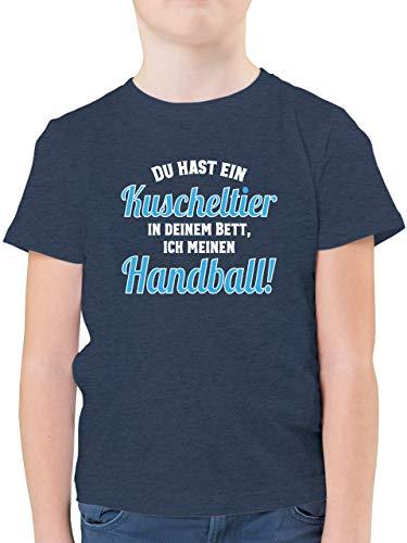 Handball WM 2021 Kinder - Du hast Dein Kuscheltier im Bett, ich Meinen Handball! - 140 (9/11 Jahre) - Dunkelblau Meliert - Handball Tshirt - F130K - Kinder Tshirts und T-Shirt für Jungen