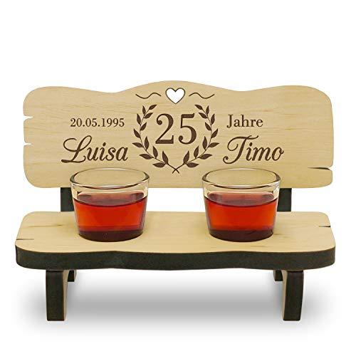 Holzbank mit Gravur Hochzeitsgeschenk Schnapsgläser Gläser mit Name und Datum individualisiert personalisiert Jubiläum