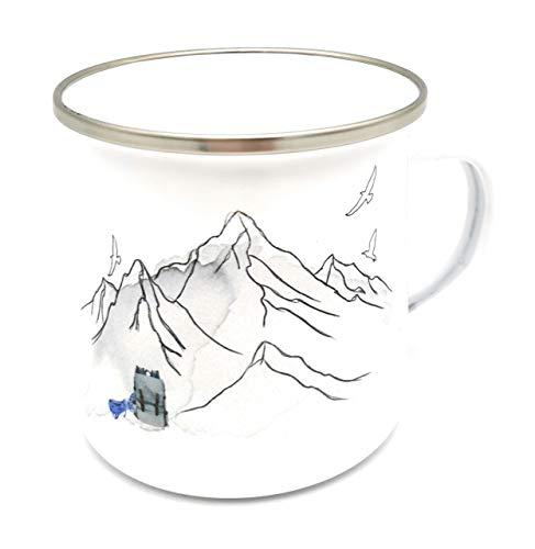 Emaille-Tasse mit Motiv in den Bergen, auch mit Namen personalisiert. Personalisierte Tasse aus Emaille für Wanderer. Prima Geschenkidee!