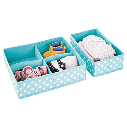 mDesign 2er-Set Kleiderschrank Organizer – ideale Aufbewahrungskiste für Schrank oder Schublade im Kinderzimmer mit 1 BZW. 4 Fächern – flexibel verwendbare Stoffbox in 2 Größen – türkis/weiß
