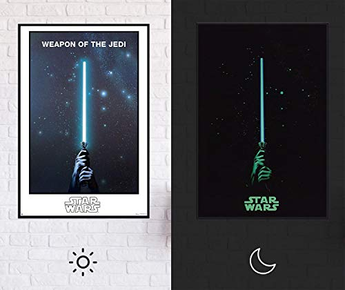 Star Wars - Weapon of The Jedi Poster | Leuchtet im Dunkeln - Glow In The Dark XL Premium Lichtschwert Plakat, 61cm x 91,5cm