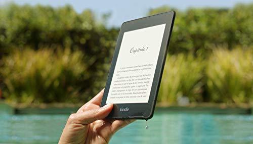 El Kindle Paperwhite más ligero y fino hasta la fecha: pantalla de 300 ppp sin reflejos que se lee como en papel impreso, incluso bajo la luz del sol. Resistente al agua (IPX8), para que puedas usarlo tranquilamente en la playa, en la piscina o en la...