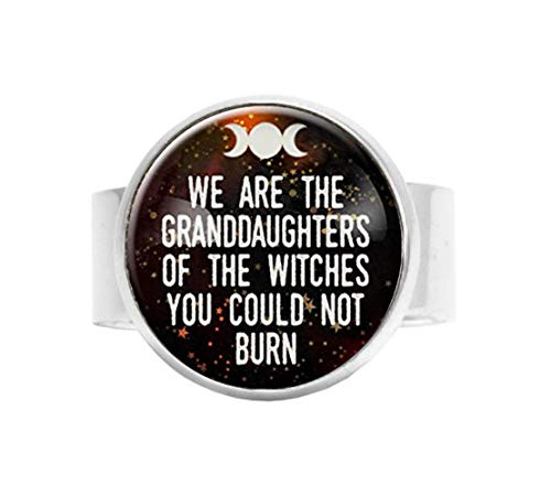 "Ring mit Aufschrift ""We are the Granddaughters of the Witches You Could Not Burn"", verstellbar"