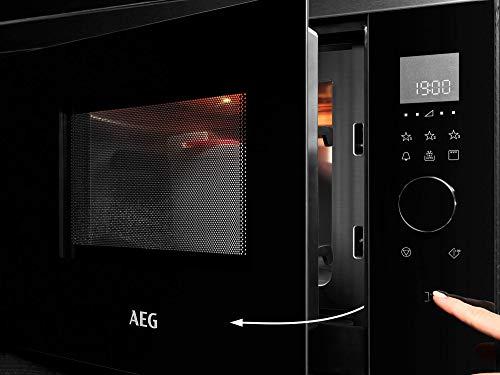 AEG MBE2657DEM Microondas Integrable con Grill de 800 W, Display LED táctil rotativo, Luz interior, Apertura electrónica, Programa descongelar, Cocción, Marco Integrado, 900 W, Negro/Inox, 26 L